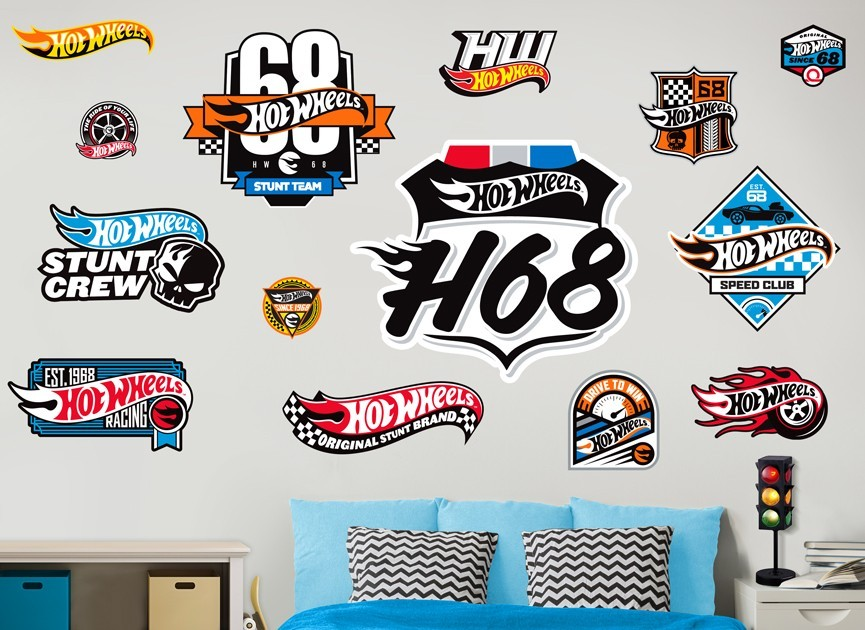 Hot wheels cars badges wall decal set for Circuit hot wheels mural